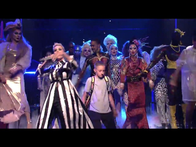 Katy Perry 'Dancing Backpack Kid' SNL