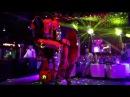 Бамблби отжигает в клубе!| Лига-Роботов| Костюмы трансформеров
