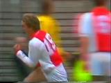 Рональд де Бур (Аякс) - мощный удар и гол в ворота Фейеноорда, сезон 1988/89