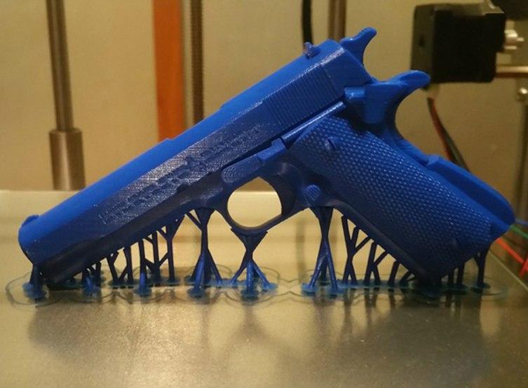 Крутой 3D ПРИНТЕР На картинке ствол - напечатал этот Принтер