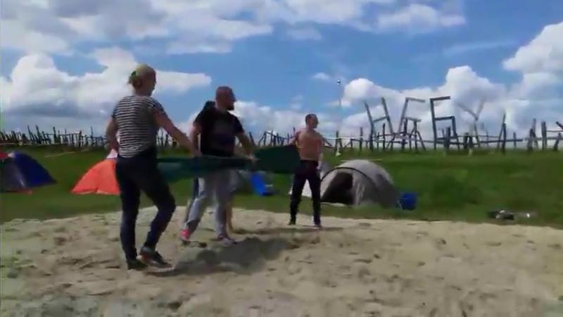 Волейбол повітряними шаріками з водою НебуХАЙ фест