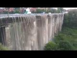 У Камянц-Подльському пройшла сильна злива з градом.На новопланвському мост...