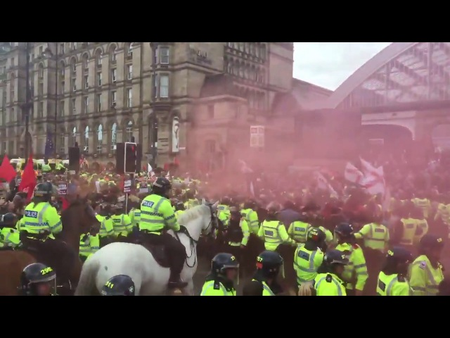 EDL Come to liverpool, chased out by Antifa while playing benny hill