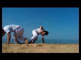 Часть отснятого материала с #пляжа #учкуевка. Поиграли на #песке #benguela, и поделал #акробатику. #акробатика #капоэйра #capoei