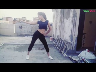 Young Beautiful Girl Dance on Song Main Tera Boyfriend ( Raabta) - Part 1 || Dance Choreography Video
