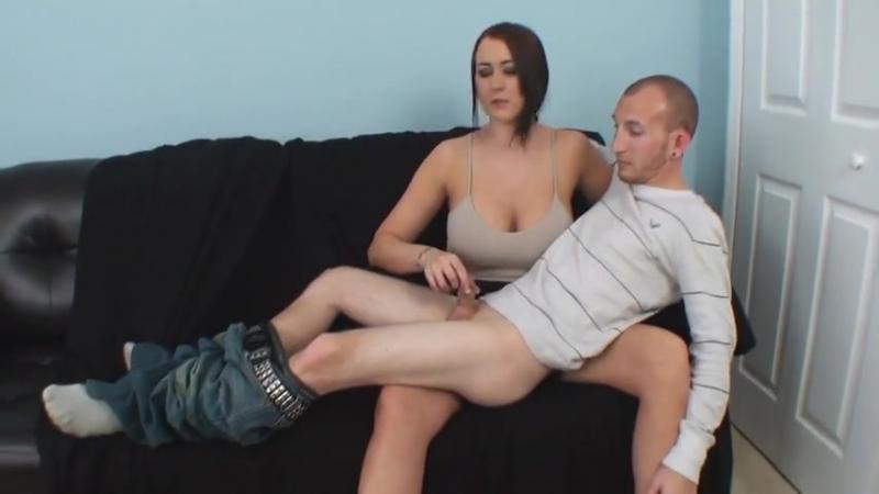Высокая женщина дрочит мальчику, milf busty breast milky jerk boy naughty mom cun
