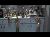 Х/ф Мен ин блэк. Смешная фантастика. Инопланетяне тайно проживают среди людей. Горстка избранных СШАнцев контролируют ситуацию.