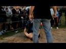 Русский Школьник вырубил бойца боев без правил / The school student knocked out the fighter