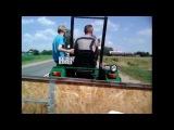 Покатушки на тракторе за травой 1 серия|Gry na ciągniku za trawą 1 seria