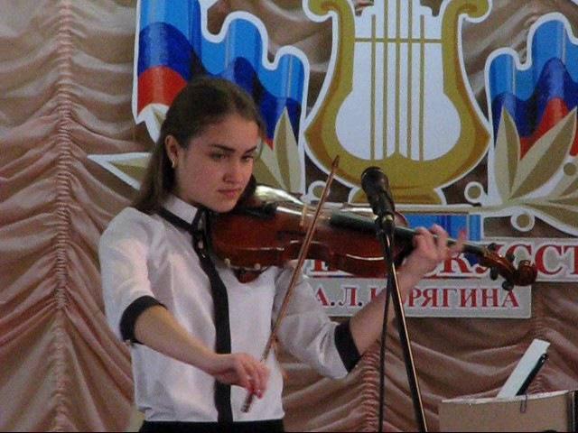 Отчетный концерт Краснодонской школы искусств Е Конарева и В Сидорова Венский