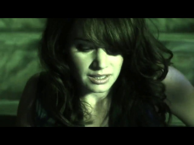 Smallville 9x03 - Rabid - Lois and Clark fight off a zombie horde
