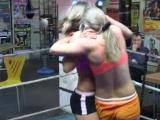 Karine vs Orsi - bikinis, ring - 21m
