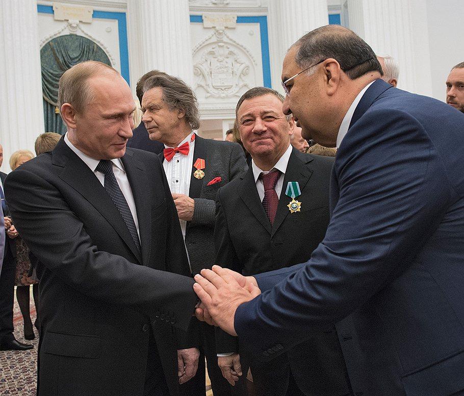 Усманов и Вексельберг награждены президентом знаками отличия
