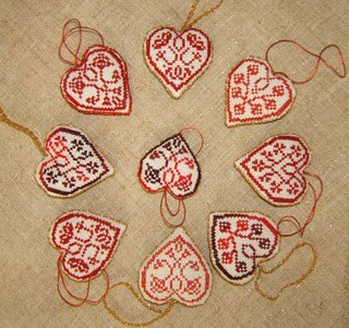 сердечки крестиком