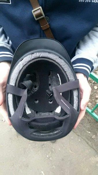 Продажа. Легкий и практичный шлем,  регилируемый подбородным и эластич