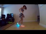 Бэйба четко танцует шафл в LED кроссовках ( ★ )