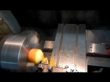 Точение апельсина на токарном станке
