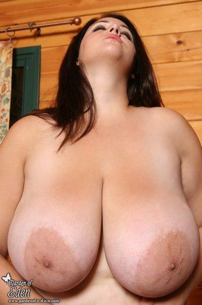 Nude pics of hannah montana