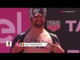 Что можно сделать на старте ITT на #Giro100? Да вот, предложить руку и сердце любимой девушке! #велоспорт