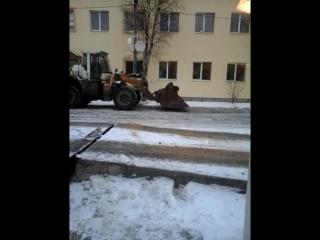 Наш вариант посыпки ледяных дорог...