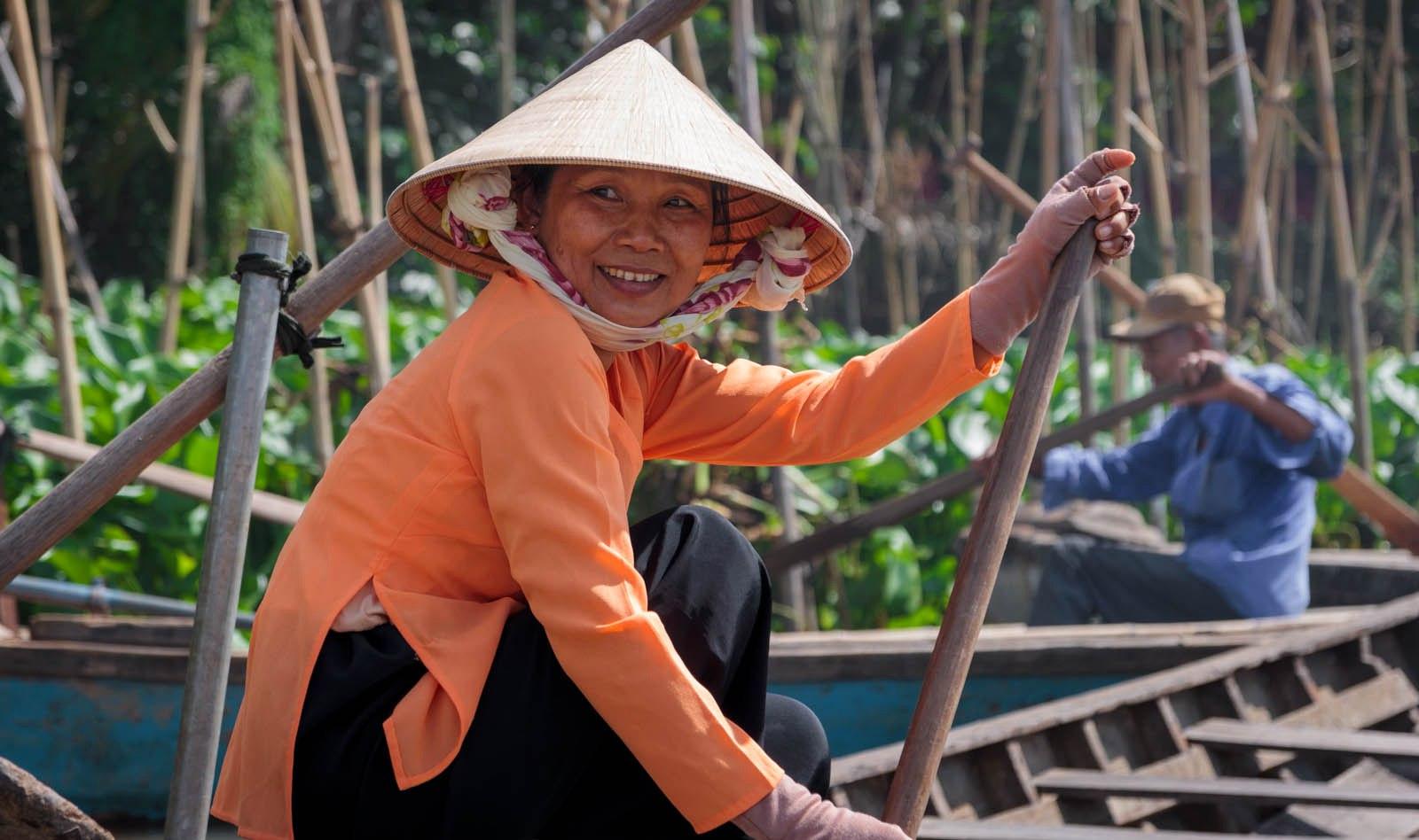 Есть множество юмористических заметок, типа «Ты слишком долго живёшь в Азии, если …».