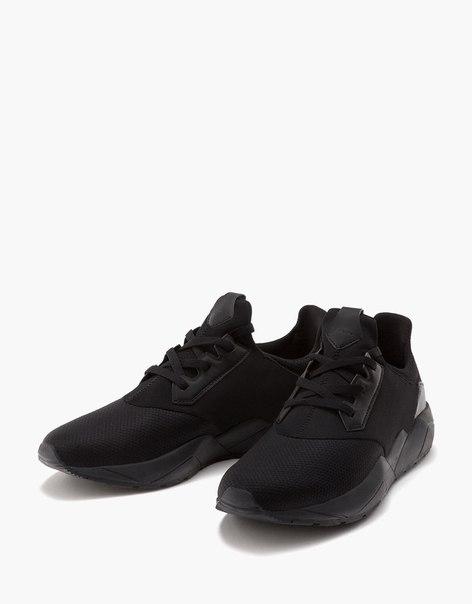 Мужские спортивные кроссовки со вставками из сетки