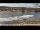 Река Молога. Весна. Остатки льдин атакуют стол и скамейки