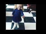 Дочка Аллы Пугачевой Лиза Галкина - маленькая королева (песню Белочка исп.Алла П ...