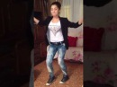 Hostal Girl Dancing