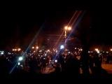 Гимн России в вечернем Луганске 08.04.2014