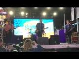 Fall Out Boy - Uma Thurman (Live)  Elvis Duran Summer Bash