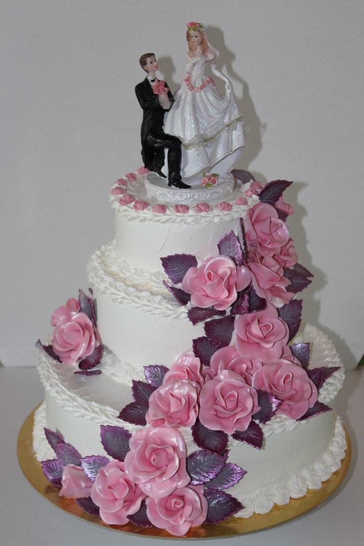 Свадебный торт с розами (арт. 39)