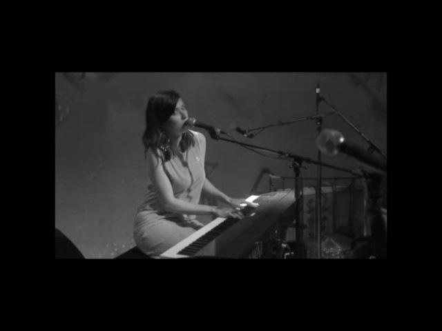 ELENA - Wut Im Bauch live @ Knack den Krebs
