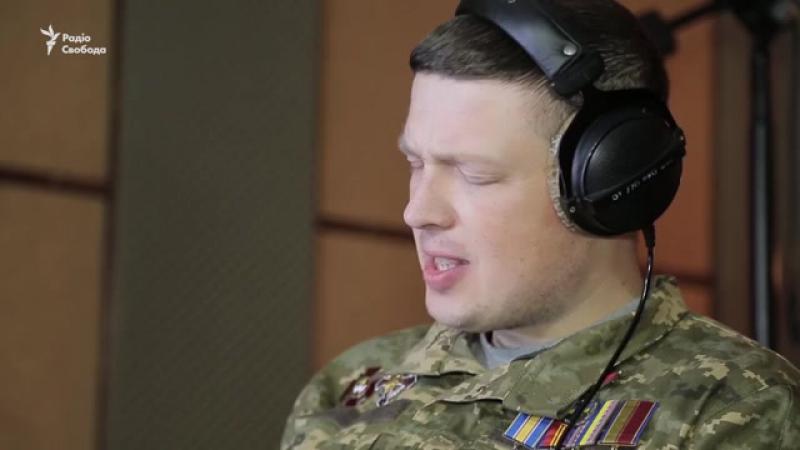 Український льотчик в інвалідному візку заспівав пісню про війну