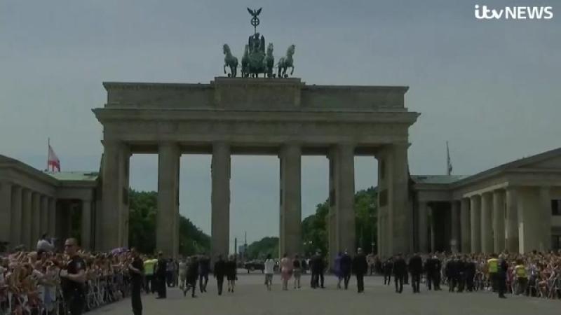 Уильям и Кэтрин у Бранденбургских ворот в Берлине, 19.07.2017