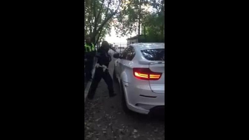 BMW x6 и ГИБДД - Попробуй разбей стекло