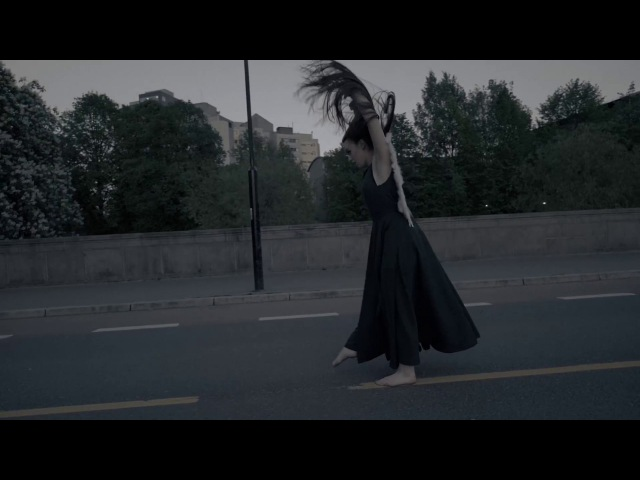 Me and the Julios - Mannen I Elva [Offisiell video]