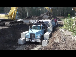 Грузовик для строительства тоннелей