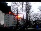 пожар во Мне (горит крыша на жилом доме)
