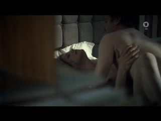 Marie Bäumer - Das andere Kind (2013)(sex scene, nude, сцена секса, эротика, постельная сцена, раком, трах, кончил, порно)