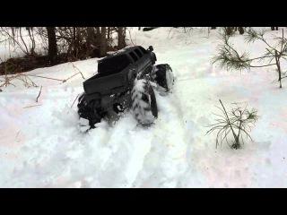 RC 6 DOOR IN SNOW (Slow Motion)