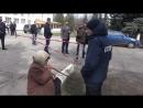 Бабка Молодец петухам Нацистам Пистона вставляет а дебилы лыбяться