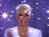 Annie Lennox &amp Al Green - Put A Little Love In Your Heart