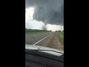 Ничего необычного Торнадо переходит дорогу на Урале