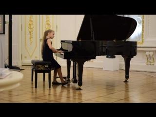 Моцарт - Фантазия ре минор, Лядов - Музыкальная табакерка. Исполняет Наташа Медведева
