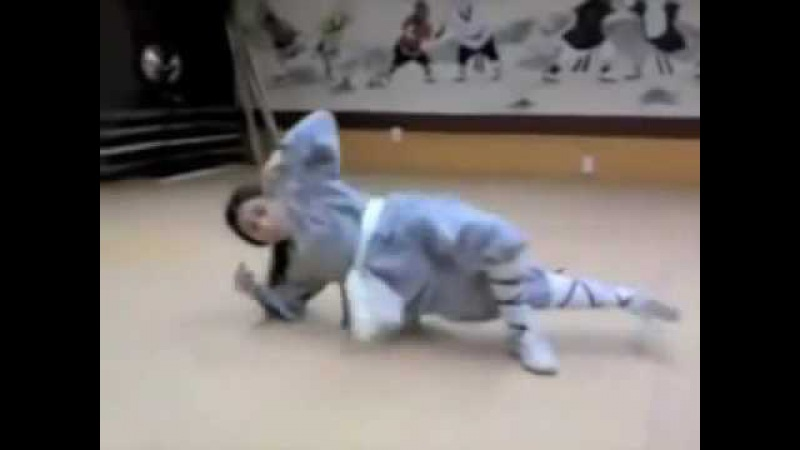 Amazing Shaolin Kid Training
