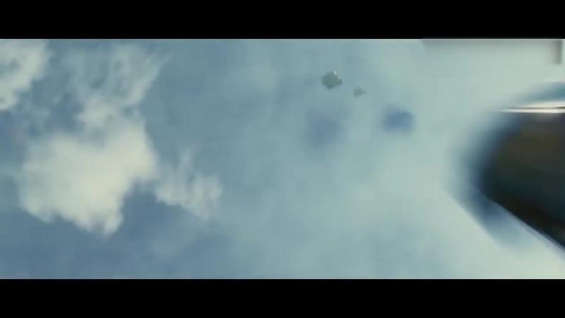 Том Круз падает с крыши и попадает в известные фильмы