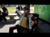 Street musican/ Уличные музыканты  Scott Dunbar - Tinfoil Hat