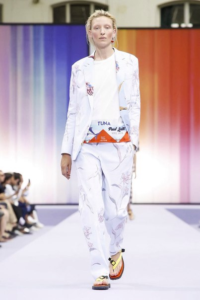 Paul Smith Embraces a Warm Tropical Vibe for 2018 Spring/Summer