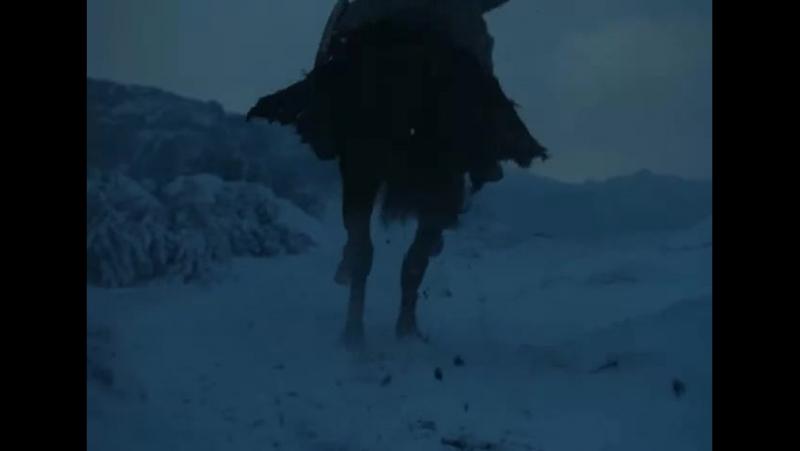 Когда падает снег и дуют белые ветры, одинокий волк умирает, но стая выживает
